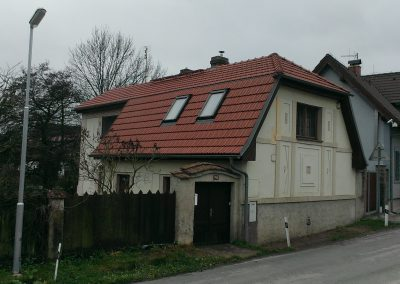 RD Podkozí. Rekonstrukce střešního pláště, výměna střešních oken. Střešní okna Roto, krytina Tondach Hranice 11